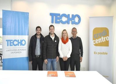 Credicentro y Techo sellan alianza