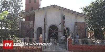 REFACCIONAN COMPLETAMENTE PARROQUIA DEL DISTRITO DE LA PAZ.