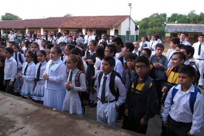 Fin de las vacaciones: Este lunes retoman las clases en instituciones públicas