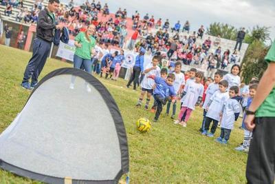 Más de 750 niños de Itapúa disfrutaron de actividades del programa «Golazo»