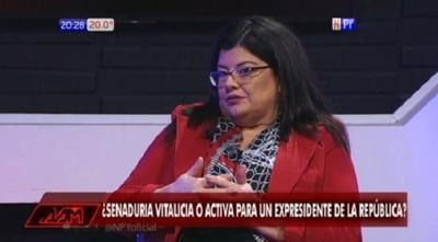 """Ministra dice """"no"""" a reelección vía enmienda"""