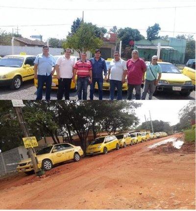 La parada de taxis que apoya la presencia de MUV y Uber