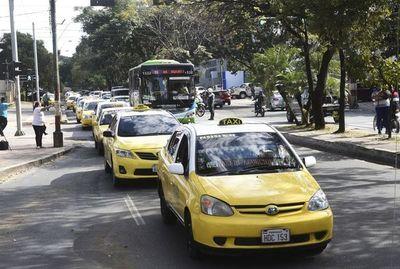 Más  presiones antes de decidir si se rompe o sigue   monopolio de taxistas