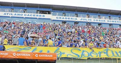 """Hinchas luqueños exigen jugar en el """"Feliciano"""""""