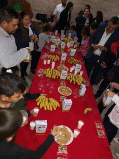 Distribuyen merienda escolar a instituciones educativas de San Pedro