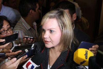 Lilian Samaniego está en contra de la interpelación a ministros