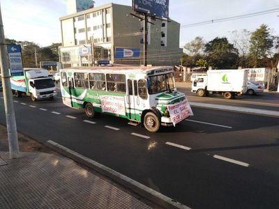 Zapateros llegan a Asunción para expresar reclamos