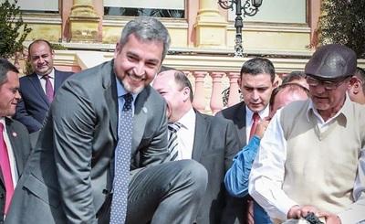 """""""Ya no hay un presidente contrabandista"""", afirma Abdo Benítez"""