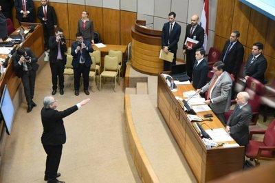 Consejo de la Magistratura: Raúl Torres Kirmser logra jurar tras incidentes en el Senado