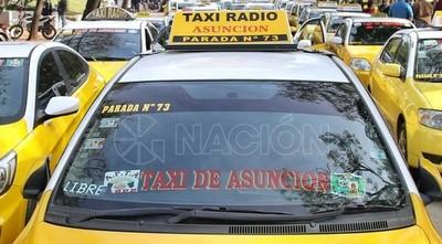 """Impreciso acuerdo: taxistas levantan medida por ahora y harán """"caza' de Uber y Muv"""