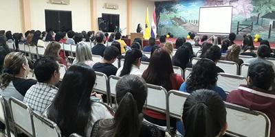 Realizán taller de oratoria en la FAFI-UNE