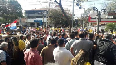 """Nenecho Rodríguez: """"Taxistas no pueden imponerse. El ciudadano debe elegir"""""""