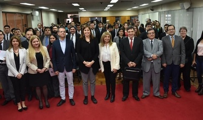 Lanzan competencia de derecho y anticorrupción para estudiantes