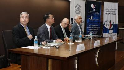 """Paraguay: """"una isla de libertad económica"""" con dificultades para aumentar su crecimiento"""