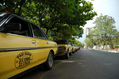 Municipios deben regular servicios de MUV, Uber y taxis, afirma ministro
