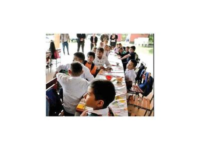 Ansiado almuerzo escolar llega a Caaguazú