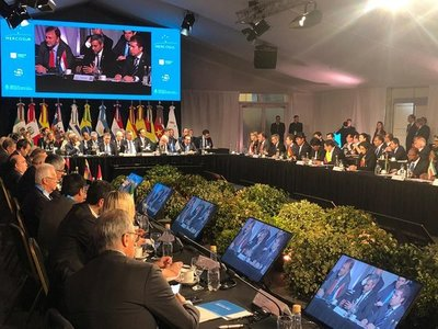 Jefe de Estado exhorta al MERCOSUR a incorporar nuevas temáticas para convertirse en plataforma productiva y competitiva