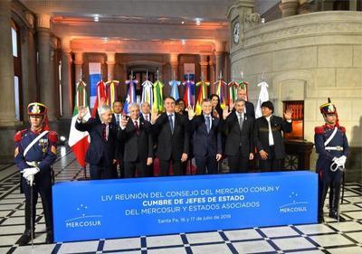 Presidente propone consolidar integración y competitividad del Mercosur para generar desarrollo
