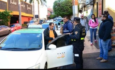 Realizan censo de paradas de taxi en el centro