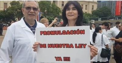 Diputados ratifican proyecto de jubilación para médicos y odontólogos