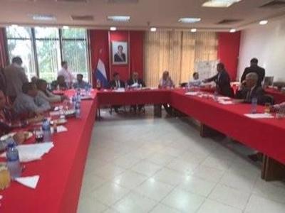 HOY / Diputados piden a Cartes que se candidate como presidente de la ANR