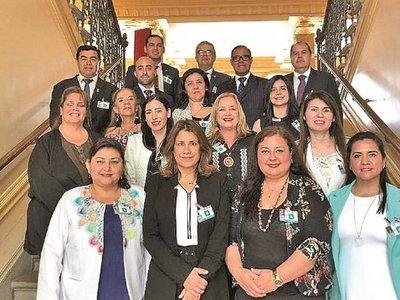 Presidenta del Indi y su asistente se llevaron jugosos viáticos a Suiza