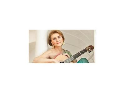 Berta  Rojas,  galardonada con la  Guitarra de Plata en México