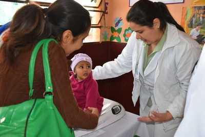 Unas 1.250 personas de barrio esteño recibieron asistencia médica gratuita