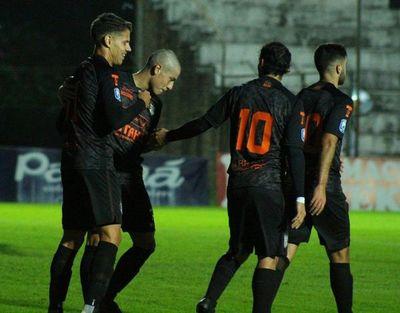 Las Águilas golpean 5-0 a Santo Domingo en San Estanislao