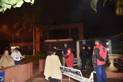 J. Augusto Saldívar: incidentes entre manifestantes y guardias de la Comuna