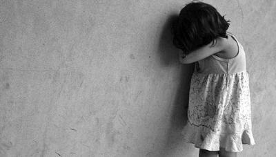 HOY / Imputan a padres de niña de 5 años por maltrato y abuso sexual