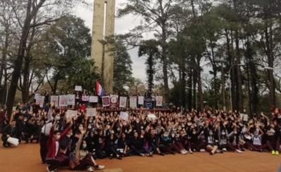 """""""Ley Loreli Ya"""" exigen estudiantes de distintos colegios"""