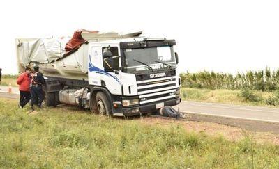 Tragedia en San Ignacio; gomero muere aplastado por un camión