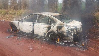 Violento asalto en Itapúa: hieren a la víctima, se llevan 9.000 dólares e incineran un vehículo