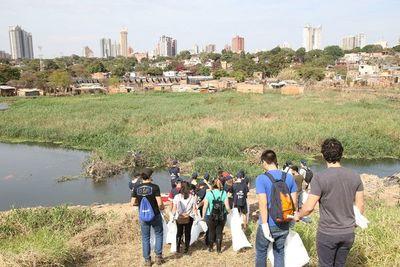 Seguirán limpiando la Bahía de Asunción