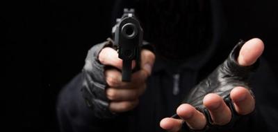 En asalto domiciliario matan a mujer y hieren a presidente de seccional y otras cinco personas
