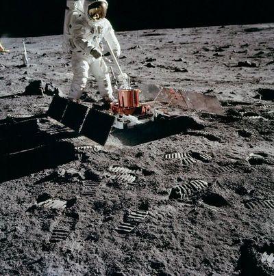 """Cincuenta años del """"pequeño paso"""" de Neil Armstrong sobre la Luna"""