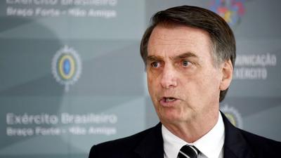 Bolsonaro critica datos sobre deforestación y director lo llama de «cobarde»