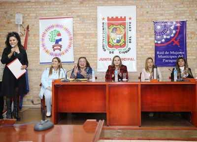 Mujeres líderes del Alto Paraná recibieron capacitación sobre nuevo sistema electoral