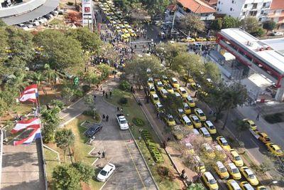 """En alerta: Policía va a """"hacer lo que sea"""" para garantizar libre circulación"""