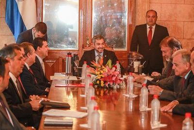 Cumbre de Poderes en Palacio de López para analizar recortes presupuestarios 2020