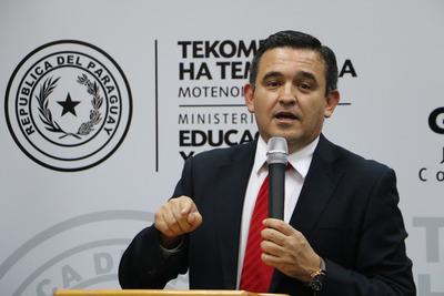 Petta desmiente a ÚH con relacion a formación de docentes para usar laptops