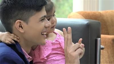 Niña de 4 años recorre el Chaco en busca de ayuda para su tratamiento