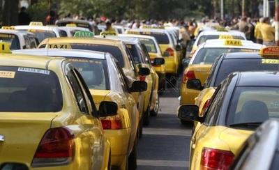 HOY / Policía, en alerta máxima: taxistas 'piqueteros' serán enviados al calabozo