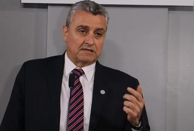 Ministro niega hecho de tortura en comisaría