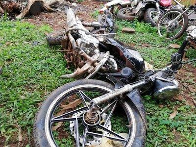 Motociclista esquiva a un perro y sufre fatal accidente de tránsito
