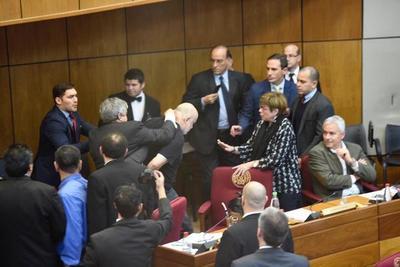 Este martes la Cámara de Senadores define sanción para Riera y Cubas