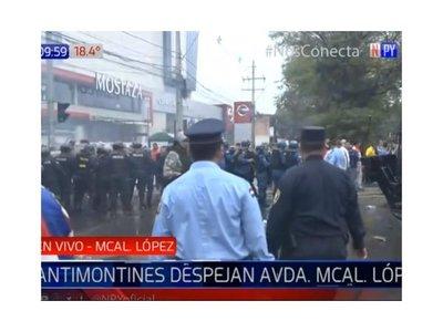 Taxistas intentaron entrar a la Municipalidad