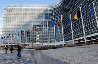 Unión Europea entregó becas por su programa de visitantes a paraguayos líderes » Ñanduti