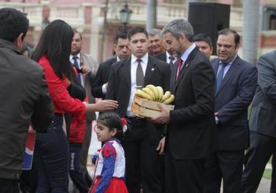 Mandatario remarca apoyo a plan de fortalecimiento de la producción de banana